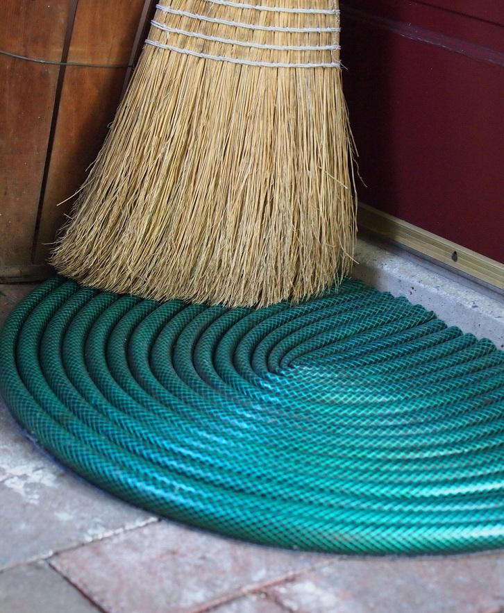 garden hose door mat project