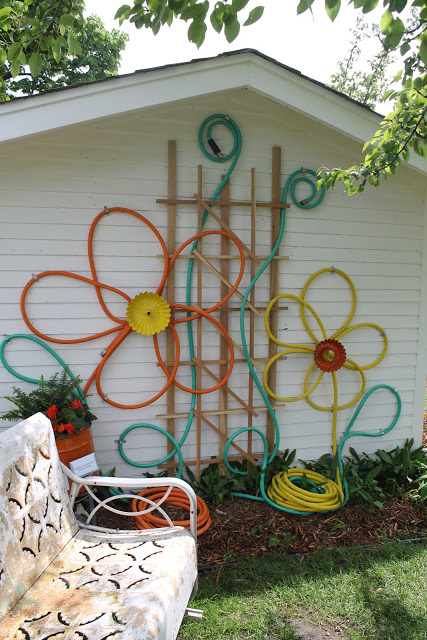 old garden hose project flower deco